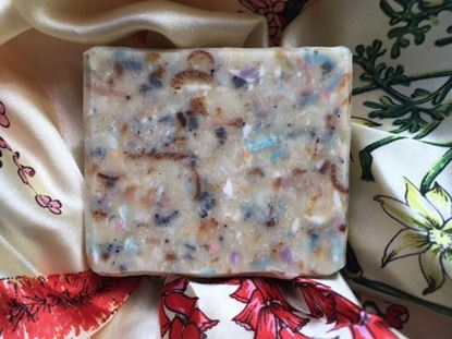all-natural matcha calming Flower field soap peterborough uk